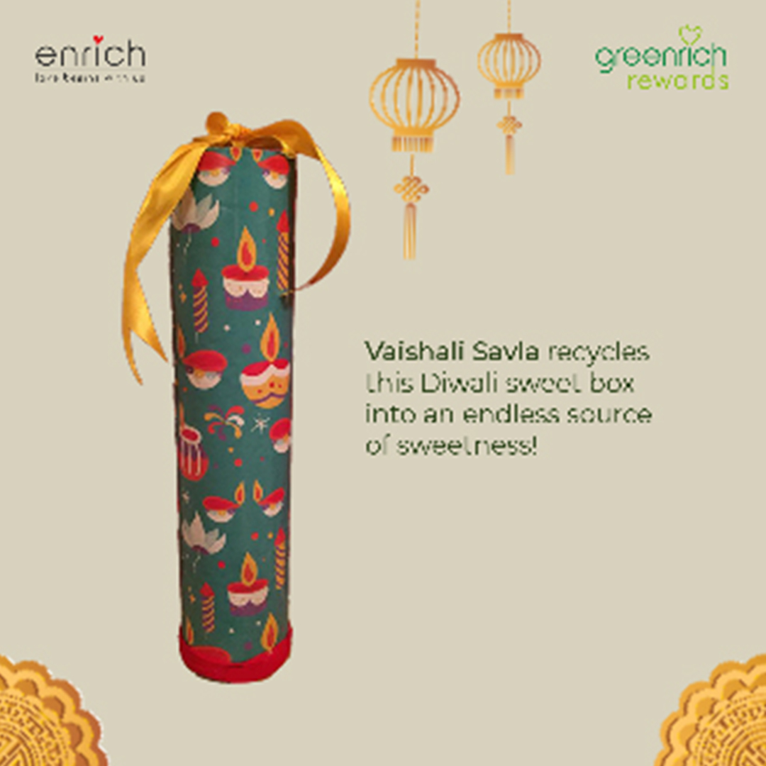 You've heard of the green-thumb, but we're giving out a Greenrich thumbs-up to @vaishali_savla  for creating this splendid artifact - by recycling a Diwali sweet box.