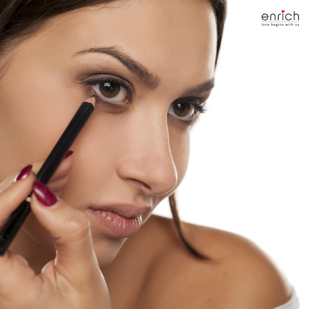 Tips to achieve smudge-proof and long-lasting kohl application
