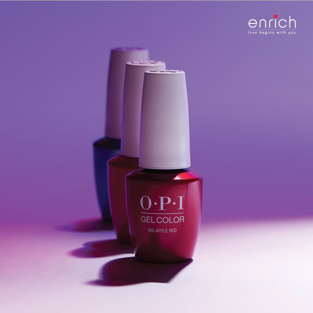 Sometimes all you need is a dash of colour to brighten your day! And any day is a good day to apply OPI Gel Polish on your nails.